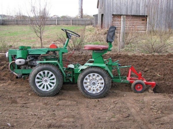 Як зробити трактора